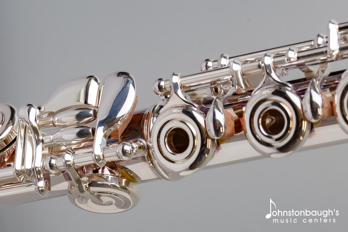 Detailed Feature Image of Azumi Flute from Johnstonbaugh's Music Centers in Western PA